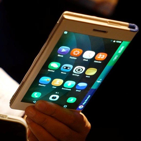 Samsung, смартфон, планшет, Гибкий смартфон Samsung может стать реальностью в 2017 году