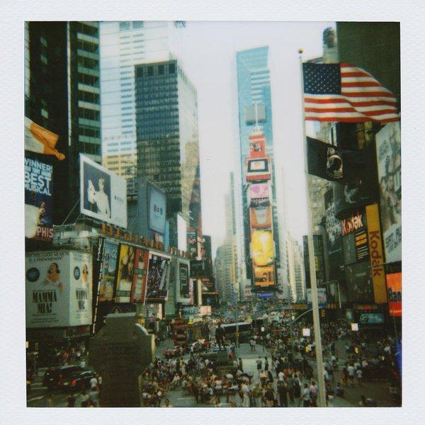 Polaroid,фото,поп-культура, Дали второй кадр: OneStep 2 - новая версия культовой фотокамеры Polaroid